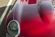 Automobile / 自動車。  Atu.: 生まれたときから完成していて、年取っても変わらず可愛い。 こういうのこそ「ズルい」って褒め言葉を使いたくなる。