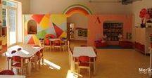 Scuola dell'infanzia - Vinovo (TO) / Arredo Scuola dell'infanzia di Vinovo. Ogni aula è caratterizzata da un colore che viene identificato nelle sedie, nei cassetti dei mobili, nelle ante e nel morbido. Ogni particolare è curato e ripreso anche negli spazi comuni, come la mensa e gli spazi di gioco.
