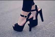 Shoes / by Nidia .