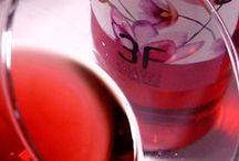 Catando vinos rosados. / Las catas de los vinos rosados que comercializamos en vinoteca Pop The Wine.