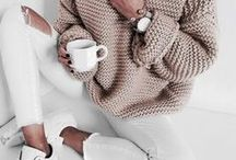 Sweaters Oversized / Casual Outfits - Cozy sweaters, knitwear, cable knits, jumpers, sweater dresses and more. What else do you need for winter?