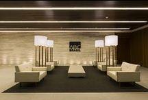 A|W Interiores - Banco ABC Brasil / Com 5.400m² e entregue em 2015, a sede do Banco ABC Brasil na capital paulista tem proposta arquitetônica de interiores clean e elegante.