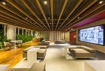 A|W Interiores - DPZ&T / A junção estratégica das marcas DPZ e Taterka, que resultou na agência de publicidade DPZ&T, pedia uma nova sede. A Athié Wohnrath foi convidada a conceber e implantar o novo escritório de 1.720 metros quadrados, localizado no condomínio São Paulo Corporate Towers.