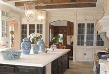 Kitchens / by Debbie Davenport