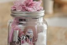Gift Ideas / by Lauren Puchades