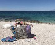 kroatien // croatia / Samtig warm umhüllt mich ein weicher Wind, die Wellen plätschern sanft im Boomerang-Modus, die Gedanken sind zur Ruhe gekommen und es gibt nichts mehr zu tun. Das ist Urlaub am Meer ... in Kroatien.