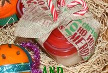 Homemade Christmas Gifts / Fun homemade Christmas gifts that are low cost.