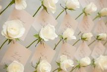 Escort Card Display / Great ways for guests to find their seat at your wedding
