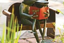 Frogs Love Books