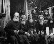 Старообрядчество / Старообрядчество возникло во второй половине XVII в. в результате раскола в Русской Православной Церкви, когда часть духовенства и мирян отказались принять реформу патриарха Никона (1652-1666), осуществленную при поддержке царя Алексея Михайловича (1645-1676). Реформа заключалась в исправлении богослужебных книг и некоторых изменениях в обрядах по греческому образцу.