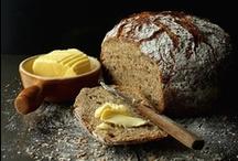 brood - bread / by Silvia Rosier