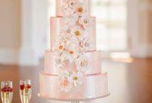 Copper & Rose Gold / Rose gold wedding inspiration and ideas. Inspiration for a copper or rose gold wedding color scheme.