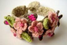 aan de haak geslagen - crochet / by Silvia Rosier