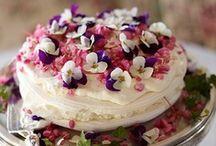 Let them eat cake / by Rebecka Klette