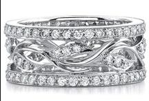 Fashion Collection / Beautiful diamond pendants, earrings, bracelets and bangles!