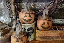 Primitive Fall, Harvest Thyme, Halloween Decorating & Halloween Treats / by Tyne Armor