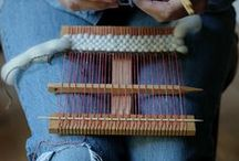 CRAFTS:  Weaving / Weaving, using looms, sticks, straws...etc.