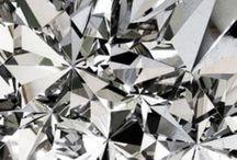 colour of {silver // gray // platinum}
