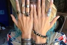 <<>>THE TRAPPINGS<<>> / jewelry, handbags, totes, hair-dos, scarfs, hats, etc... / by jessica leigh