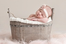 Vintage Inspired Newborn Photos / A collection of beautiful vintage-inspired newborn photos