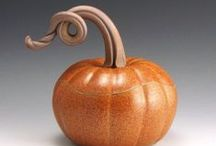 Fall & Halloween Decor Ideas / Inspirational pottery for the fall