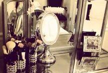 Beauties O f f i c e / by Mariah Webb