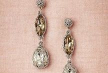 BRIDAL + BRIDESMAID JEWELRY / Bridal + bridesmaid jewelry
