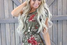 Floral Pattern Dress Style / These beautiful floral dresses are perfect for Spring or Summer. They're also very stylish and modest. Hope you can get some inspiration from these modest dresses.