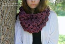 Cowl & Scarf Crochet Patterns & Knitting Patterns / A collection of crochet scarf patterns, and knit scarf patterns, for all ages! Includes infinity scarf patterns, circle scarf patterns, and cowl patterns. Classic and elegant styles!