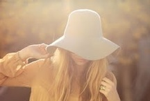STYLE IDEA: Floppy hat / The floppy hat dominated at Coachella this year. Timeless, romantic and easy to wear. Try it!