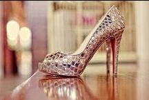 {Sapatos - Shoes ♡} / by Renata Fiore