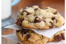 Cookie Recipes / Nothing like a quiet cup of coffee or tea and a cookie - life's little luxuries.