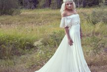 WEDDING: dresses//rings / by Haleigh Byers