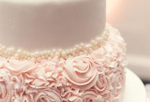 Let them eat cake! / Cake ideas for your wedding, because everybody loves cake.  #wedding #cake #weddingcake