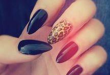 gottta have nails