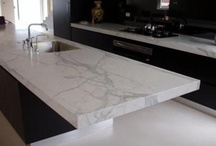 White Marble / That gorgeous Carrara and Calacatta marble with gray veining...