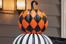 HOLIDAY Halloween Ѽ / Halloween Crafts, Halloween decor and fun ideas!