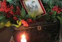 Christmas Traditional / Christmas in dark rich colors.