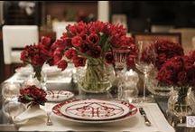 Mesas de bom gosto.***Tables with good taste