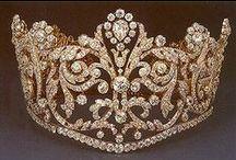 Coroas e Tiaras / coroas etc