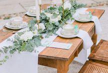 Tischdekoration Wedding / DIY Tischläufer, DIY Tischdeko, DIY Vintage Wedding, Inspiration, DIY Jute, DIY Spitze, DIY Vintage Hochzeit, DIY Tischdekoration, DIY Windlichter, DIY Blumendeko, Pfingstrosen, DIY rose Wedding, DIY Holzboards
