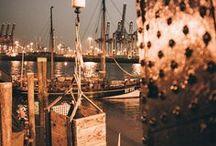 Glaube Liebe Hamburg / | Gruppenpinnwand | Wir lieben unsere Stadt und wir wollen gemeinsam mit Euch, den größten virtuellen Liebesbrief an Hamburg kreieren, den es weltweit gibt ♡ Wir sind auf der Suche nach allen Jungs & Deerns, die Bock haben ein Teil davon zu sein. Hier könnt Ihr alles pinnen, was Eure Liebe zu Hamburg für Euch verkörpert: Bilder, Sprüche, Insta Schnappschuss oder Pin. Wenn Ihr an Bord kommen wollt, sendet uns Euren Profil-Link und -Namen an hamburg@mitvergnuegen.com. Let´s spread some love ☆