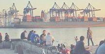"""Ein Wochenende in Hamburg / Du hast nur 48 Stunden Zeit Hamburg zu erkunden? Macht Nichts, Diggi - wir haben vorgesorgt. Hier findest Du haufenweise Ideen und Tipps, um Deinen Kurztrip mit echten Geheimtipps und spannenden Guides zu einem unvergesslichen Erlebnis zu machen. Ob alleine als Solo Städtetrip, als Mädels-Trip unter Freundinnen oder Wochenende """"nur für Männer"""": Lass die Seele baumeln oder lass es krachen - mach es zu DEINER Reise! Lass Dich inspirieren - Willkommen in unserer Heimat! Wir freuen uns auf Dich! ♡"""