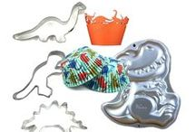 Dinosaurs and other cool creatures / A cookie is a great dessert. Two cookies: better.  You have the recipe, we have the cookie cutters for you to bake amazing tasty treats with.