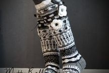 ANELMAISET / 'Anelmaiset' is knee high wool socks with patterns, lace, flowers and other beautiful decorations created by Anelma Kervinen. These cute designs have devoted fans all over the world.