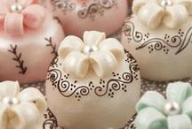 Cake Pops and Cake Balls! / Featuring an assortment of fantastic cake pop designs and inspiration.