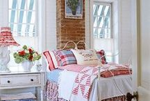 Red, White, and Blue Decor / Love the combination of red, white, and blue décor!