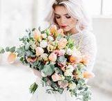 WEDDING | Flowers / Hier findest du Ideen und Inspirationen für wunderschöne Brautsträuße und Haarkränze