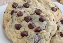 COOKIE.RECIPES / Recipes for cookies to make at Christmas time. / by Jen Melder