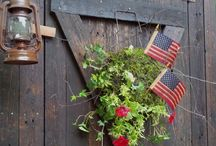 Wreaths/Swags / by Pam Pintarelli